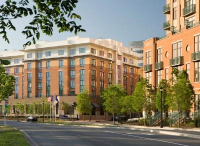 Hilton Garden Inn Street View