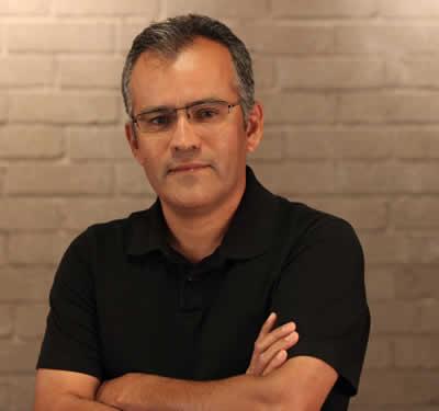 Alfredo Quintanar, Architect