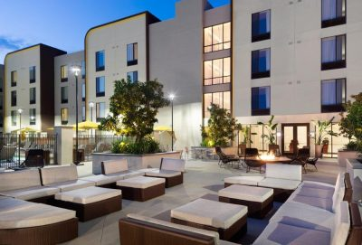 Spring Hill Suites outdoor seating